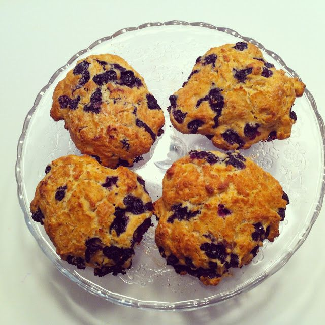 DESIGN + LIFE + KIDS: COOKING WITH KIDS 6: Low Fat Blueberry Scones