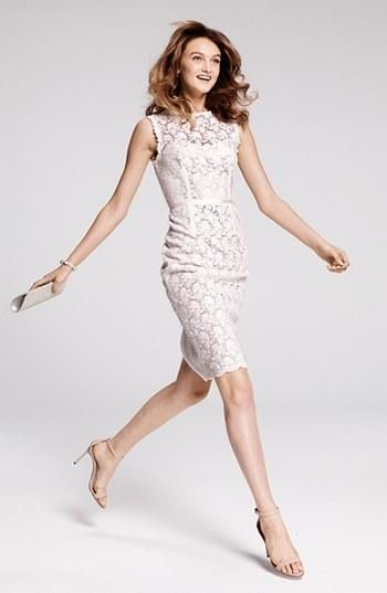 Perfect for a city hall wedding: Stunning lace dress