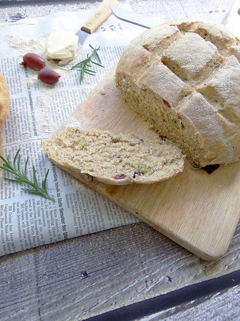 Rosemary Olive Peasant Bread | bread | Pinterest