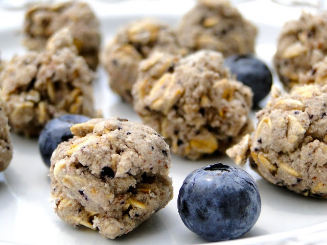 Blueberry Banana Bites | Dog treat recipes | Pinterest