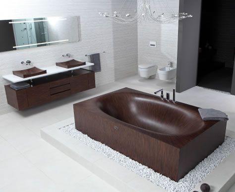 All wood bathtub from Alegna.
