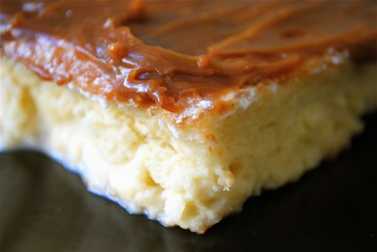 Cake with dulce de leche (I mixed the dulce with heavy cream and rum ...