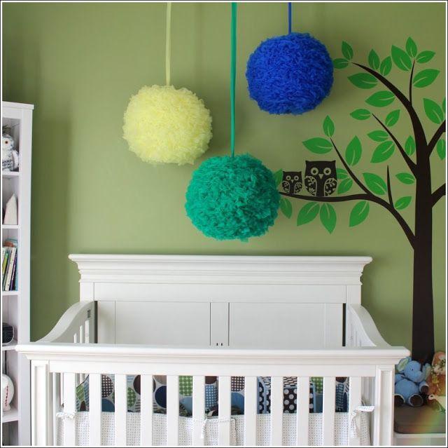 Décorez la chambre de votre bébé avec des pompons ! ~ Décor de ...