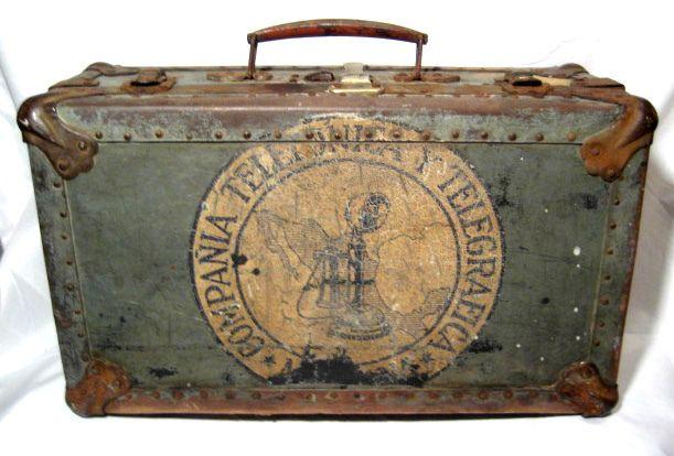 Старый чемодан переделка