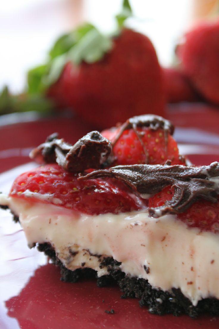strawberry...chocolate...heavenly pie! | Deserts | Pinterest