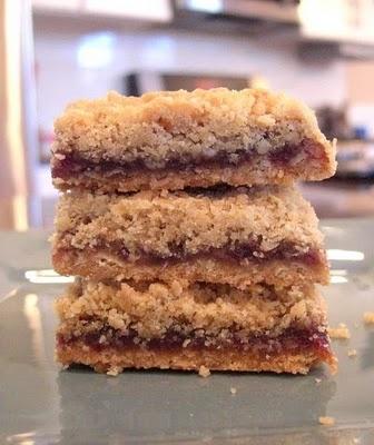 Oatmeal Raspberry Bars | How sweet it is! | Pinterest