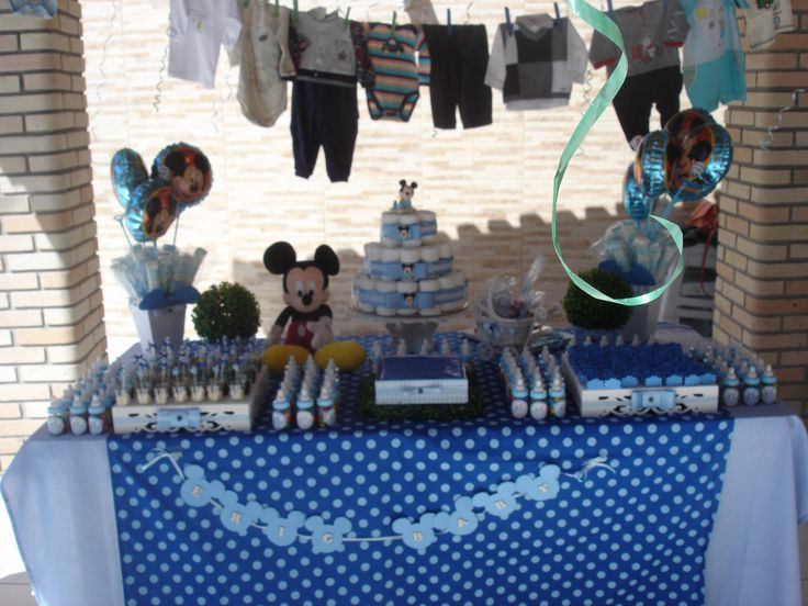 Mesa decorada tema Mickey Baby