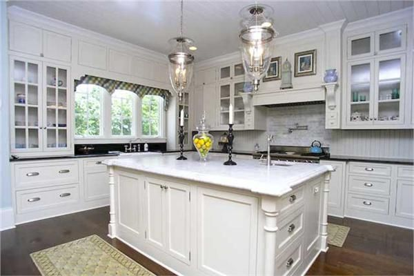 Nantucket style home luxury homes dream kitchen for Nantucket style kitchen
