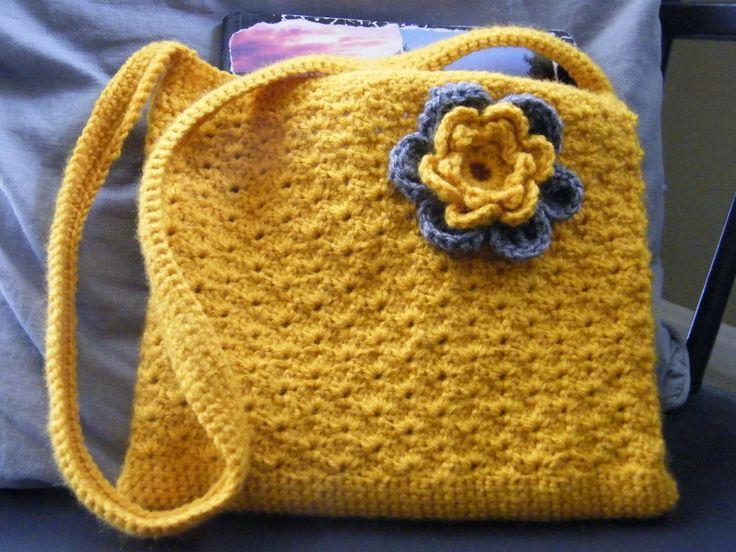 Sunny Shell Purse -free #crochet pattern crochet bags Pinterest