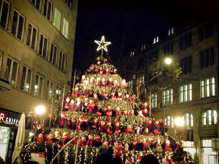 Singing christmas tree zurich