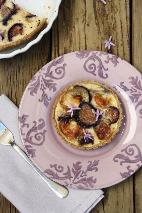 Fig, Goat's Cheese and Caramelized Red Onion Quiche with Easy Olive ...
