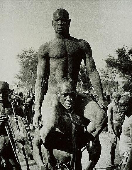 George Rodger, Nuba Wrestlers, Kordofan, Sudan. 1949