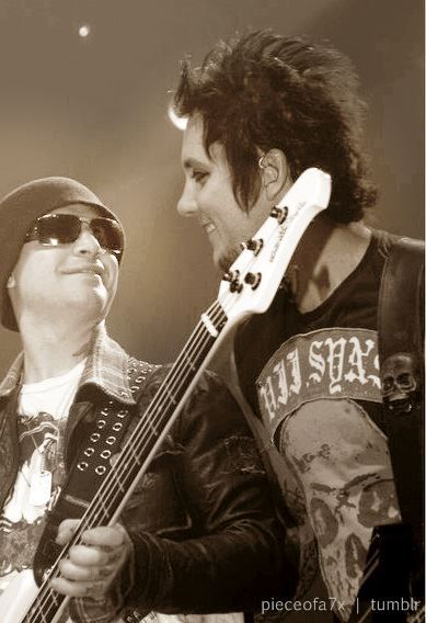 Johnny Christ and Synyster Gates   Avenged Sevenfold  Love Brian s    Johnny Christ Smile