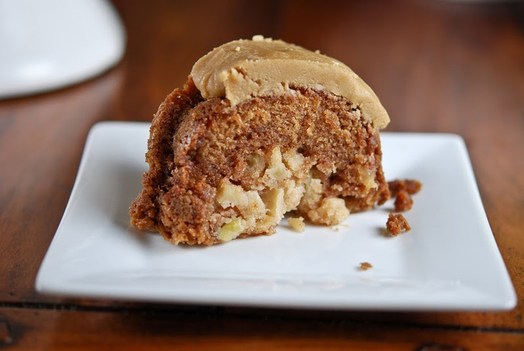 Fresh Apple Cake with Caramel Glaze-packed with your favorite fall ...