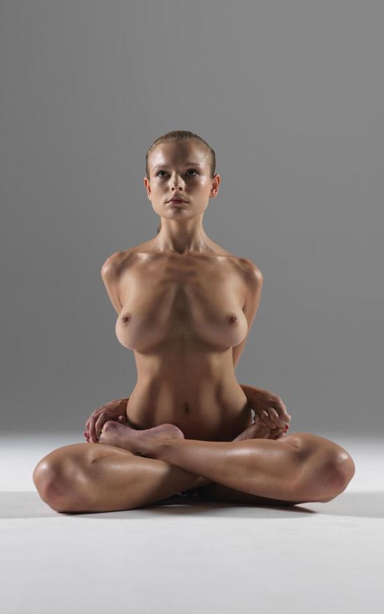 Yoga Nud 35