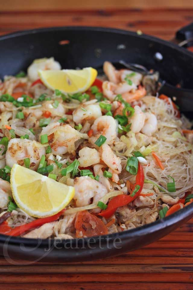 Stir-Fry Rice Noodles with Shrimp, Chicken and Vegetables | Jeanette's ...