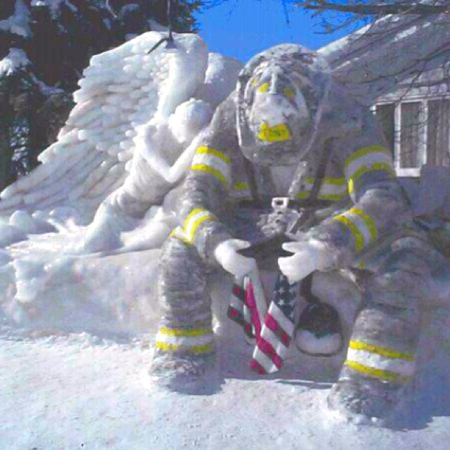 Amazing snow carving!