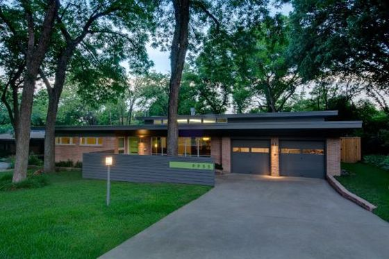 Mid Century Modern Ranch Home Exterior And Gardening