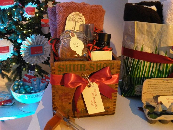 Pin by beth lee on diy deck the hall 39 s gift basket ideas for Homemade christmas gift basket ideas