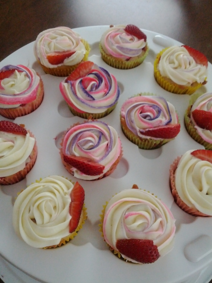 strawberry cheesecake cupcakes | My culinary explorations | Pinterest