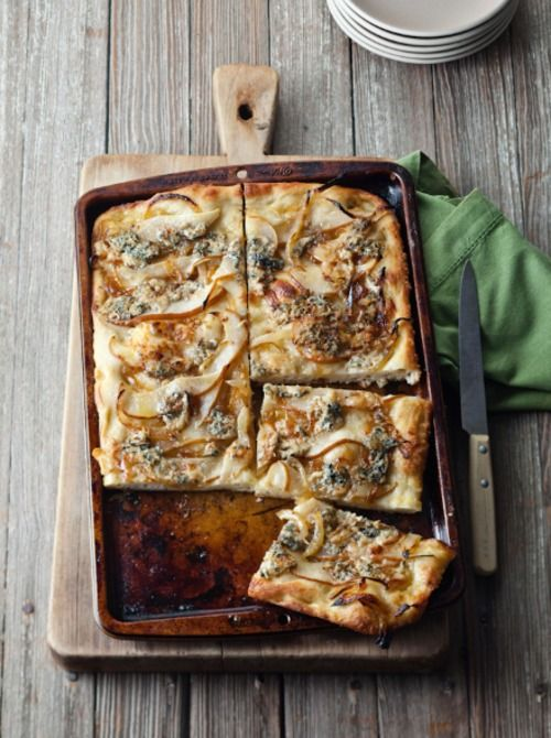 Quentin Bacon Focaccia with Caramelized Onions, Pear and Blue Cheese ...