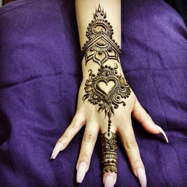 Henna hands heart