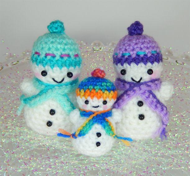 Crochet Patterns Free Snowman : Free Teeny Tiny Snowmen pattern Crochet: Holiday Items ...