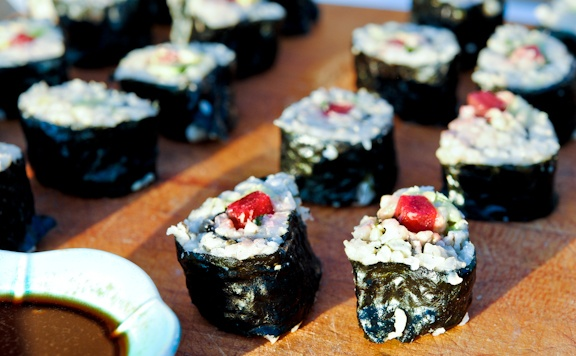 Vegetarian Brown Rice Sushi Rolls | Noms and Sips | Pinterest