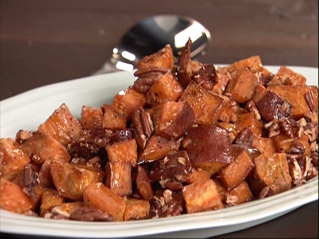 Roasted Sweet Potatoes with Pecans and Spiced Maple Sauce | Recipe