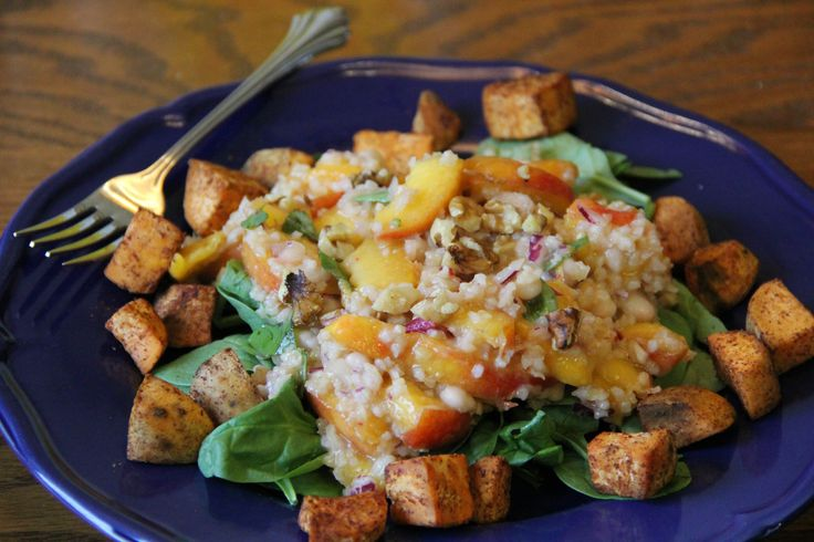 ... www.vegetariantimes.com/recipe/white-bean-bulgur-and-nectarine-salad