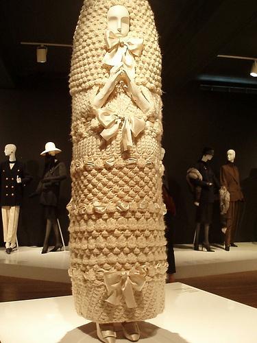 Maglia e Rimaglia: Abito da sposa crochet by Yves Saint Laurent