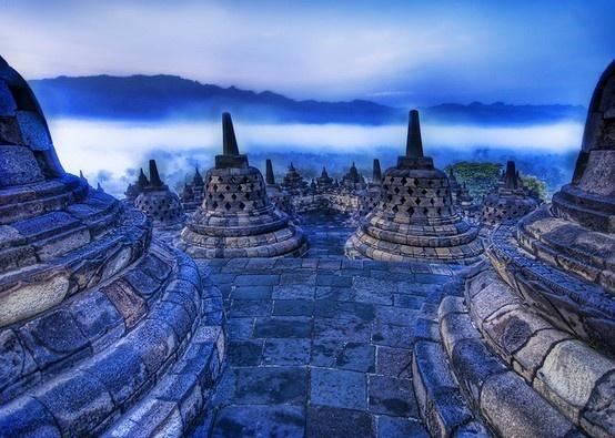 Borobudur, Indonesia #indonesia (originally seen by @Angelegoq )