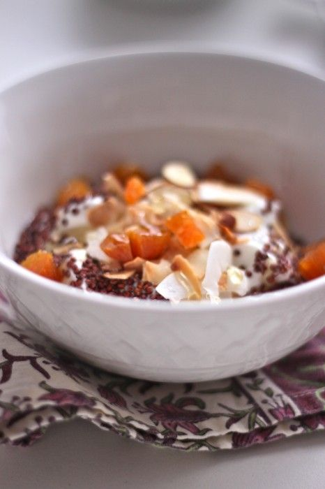 Yogurt with Toasted Quinoa, Almonds & Apricots Recipe - Healthy ...