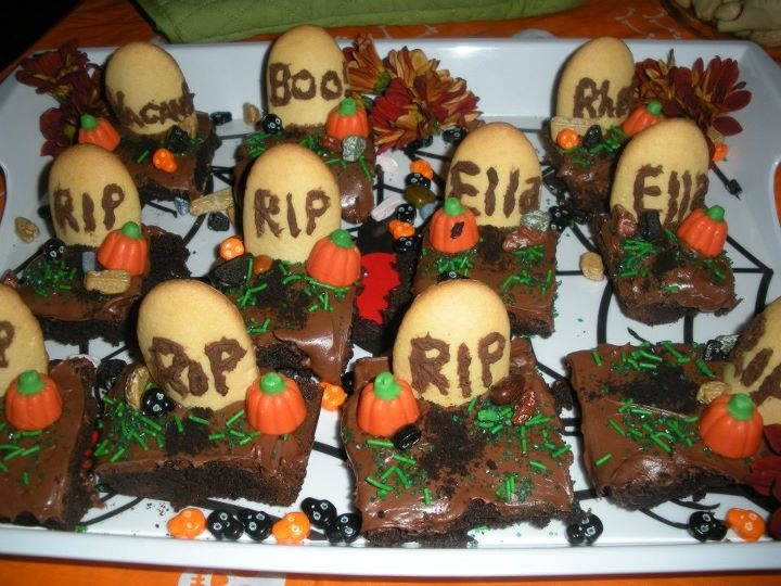 Easy Halloween gravestone brownies | Cooking and Baking | Pinterest