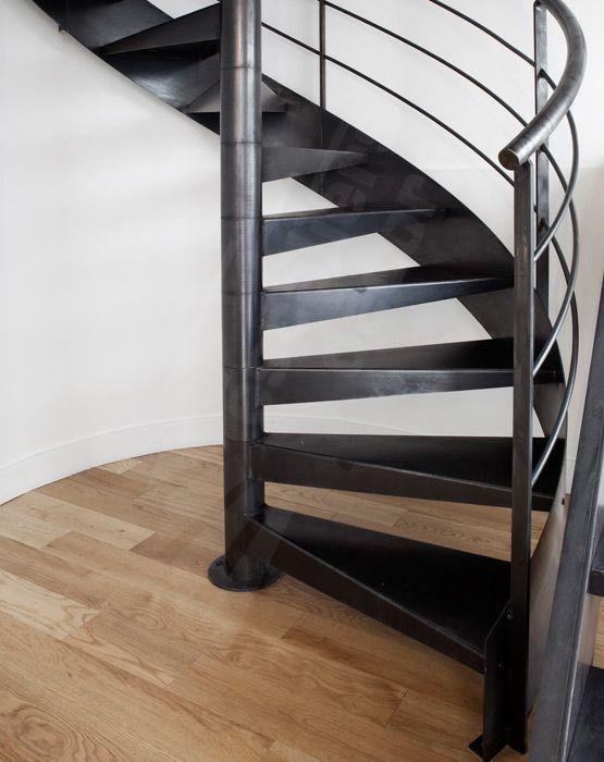Pin by escaliers d cors on escalier d coration industri - Tremie escalier colimacon ...