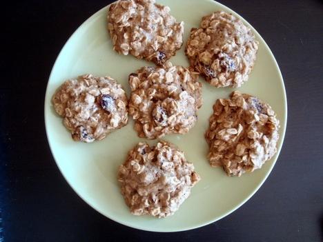 Gluten-Free Vegan Oatmeal Raisin Cookies | Gluten frees | Pinterest