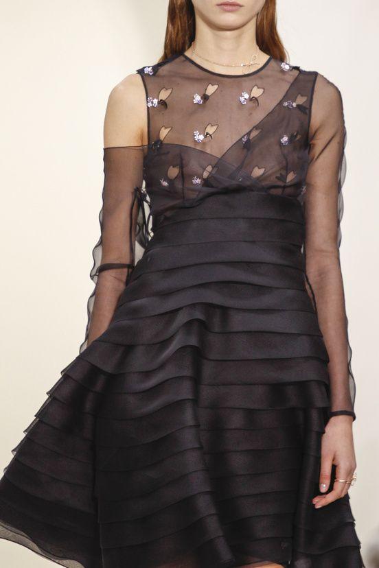 Les détails du défilé Christian Dior haute couture printemps-été 2014|38