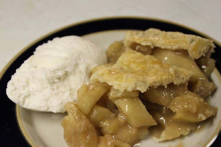 apple pie and ice cream...YUM! | Deliciousness | Pinterest