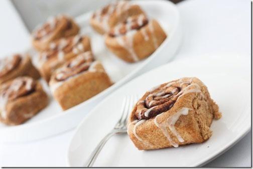 Healthy (& #vegan) whole wheat cinnamon rolls. Yum!