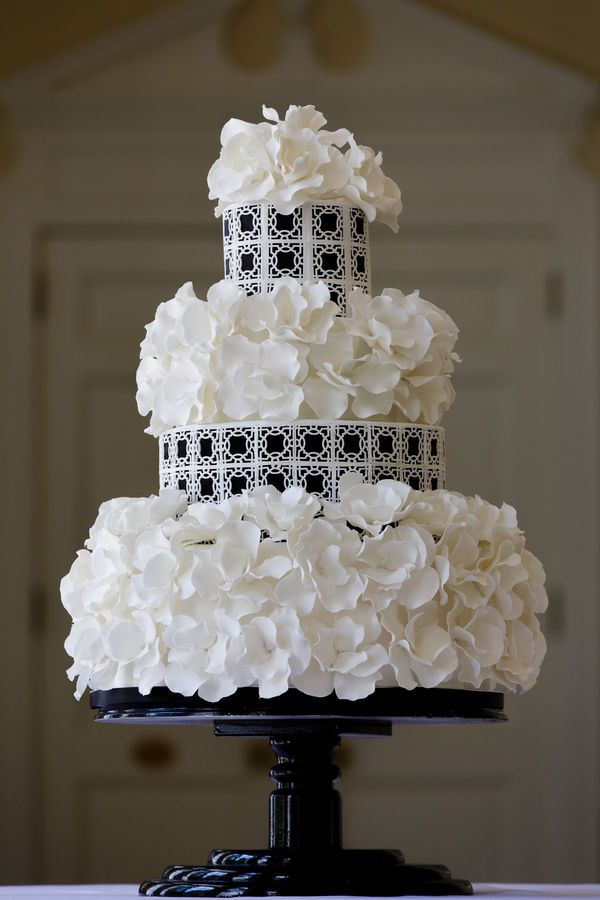 Black + White Wedding Cake