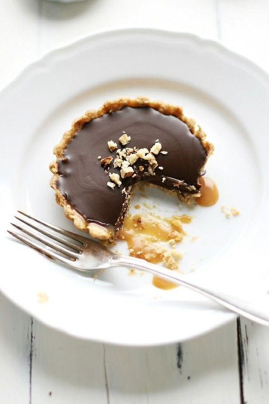 walnut, caramel & chocolate tart | Caramel vs chocolate | Pinterest