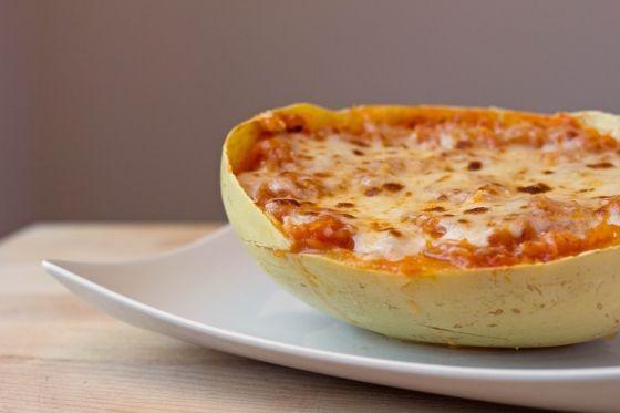 Cheesy Baked Spaghetti Squash | Feastie | Nom Nom Nom | Pinterest
