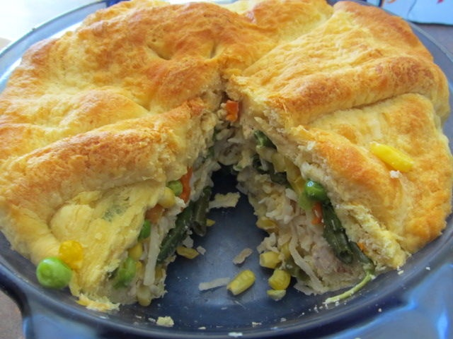 Quick & Easy Chicken Pot Pie | food to fill | Pinterest