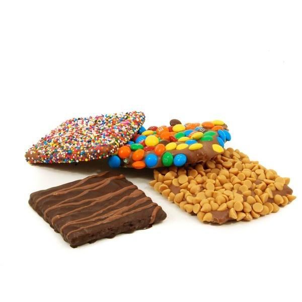 Chocolate covered graham crackers | Scrumptulescent | Pinterest