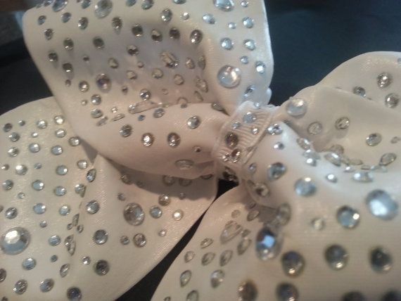 www.etsy.com/listing/184210792/extreme-bling-luxury-cheer-bow-big