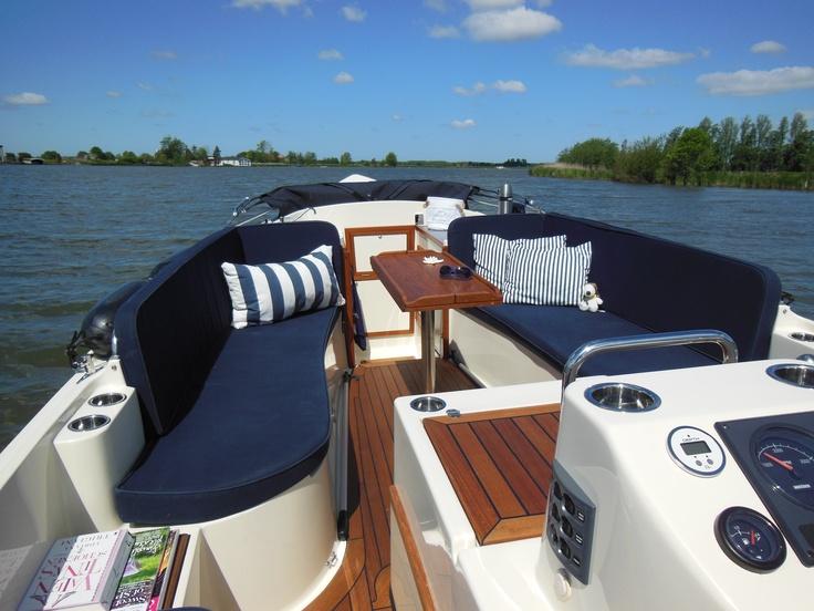 Pontoon boat ideas car interior design for Pontoon boat interior designs