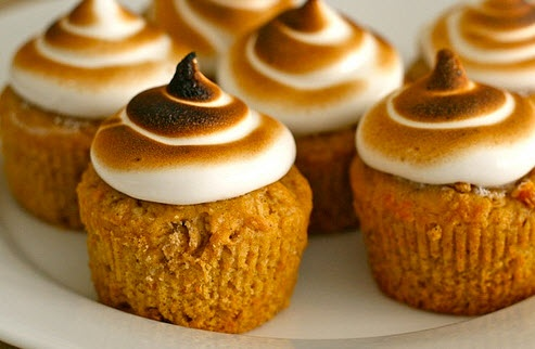 Sweet Potato Cupcakes with Toasted Marshmallow Frosting #Thanksgiving ...