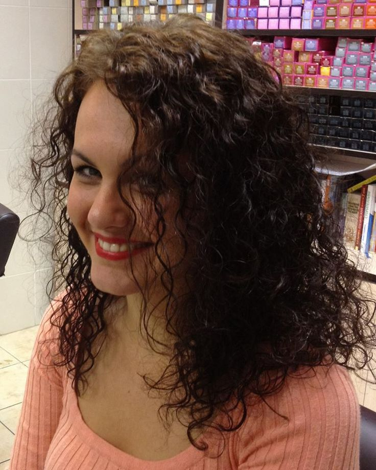 gorgeous loose curls in this perm