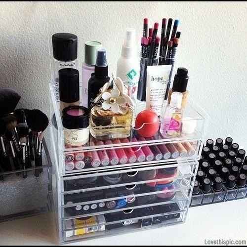 Cosmetic storage girl makeup storage organize organization cosmetic make-up organizing organization ideas being organized
