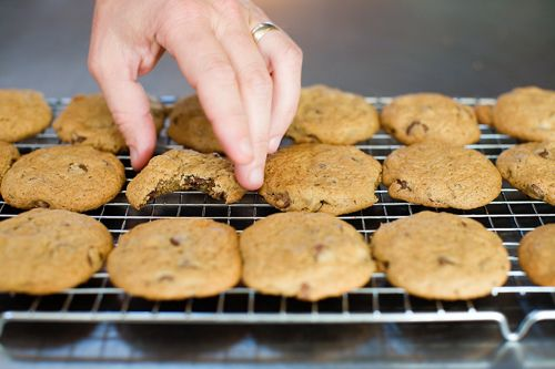 PW's Good Ol' Basic Chocolate Chip Cookies